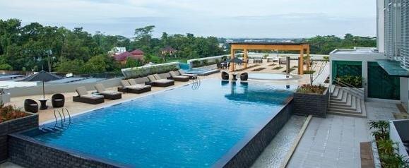 Bể bơi ngoài trời Condotel BIM Group Hạ Long